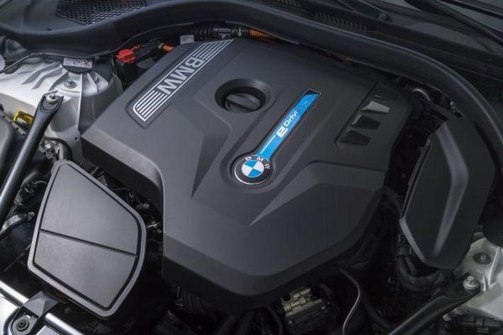 BMW a Cápák között
