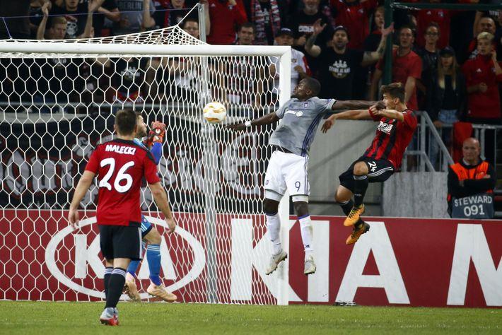 A Kia az első UEFA Európa Liga 'Trophy Tour' mellé állt