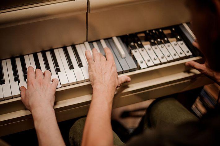 Hibrid zongora