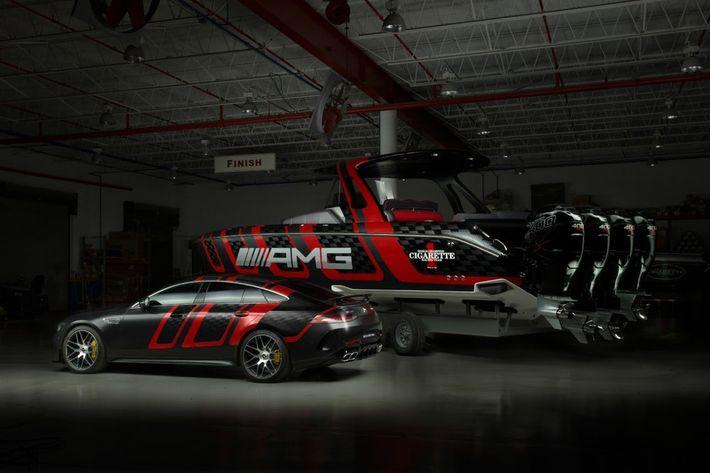 A Mercedes-AMG és Cigarette Racing