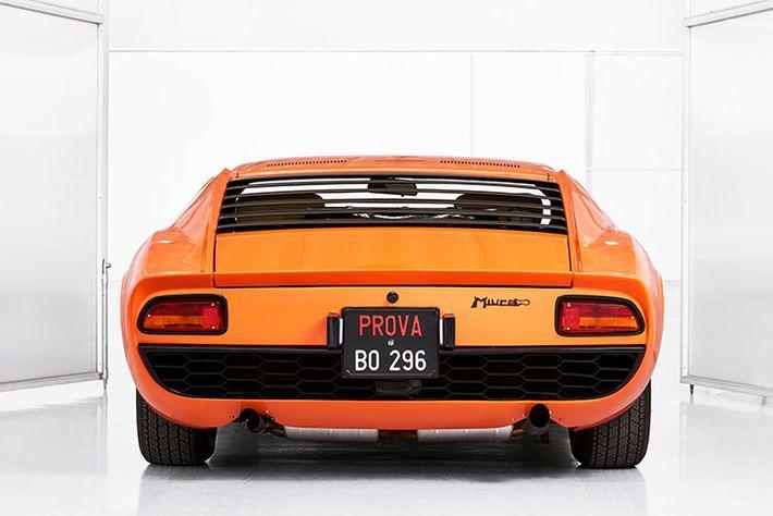 A Lamborghini megtalálta és felújította az Olasz meló Arancio Miura-ját