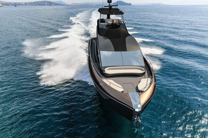 Lexus jacht