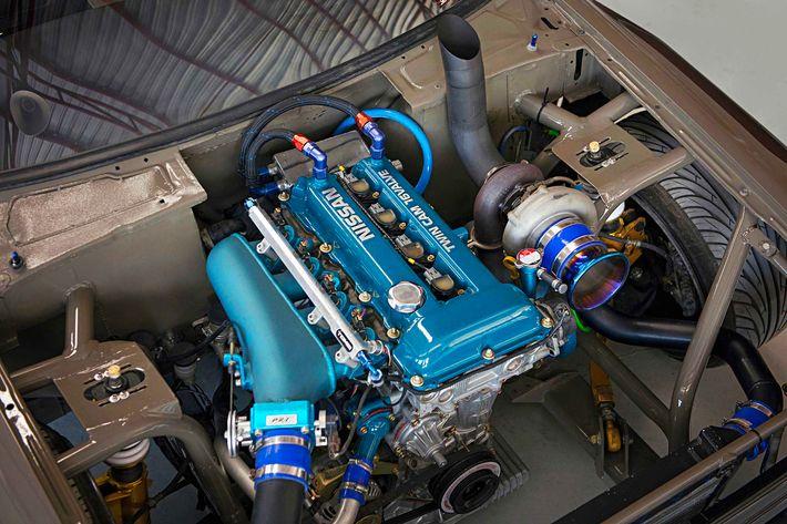 A driftvilág platósa: 600 lóerős Toyota Hilux Thaiföldről