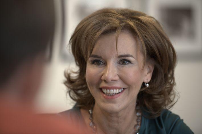 Dr. Kardos Mária
