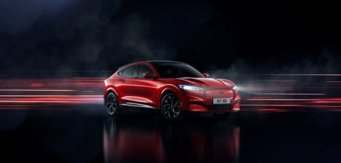 Erő, stílus és szabadság egy új generáció számára: íme a tisztán elektromos hajtású Ford Mustang Mach-E!